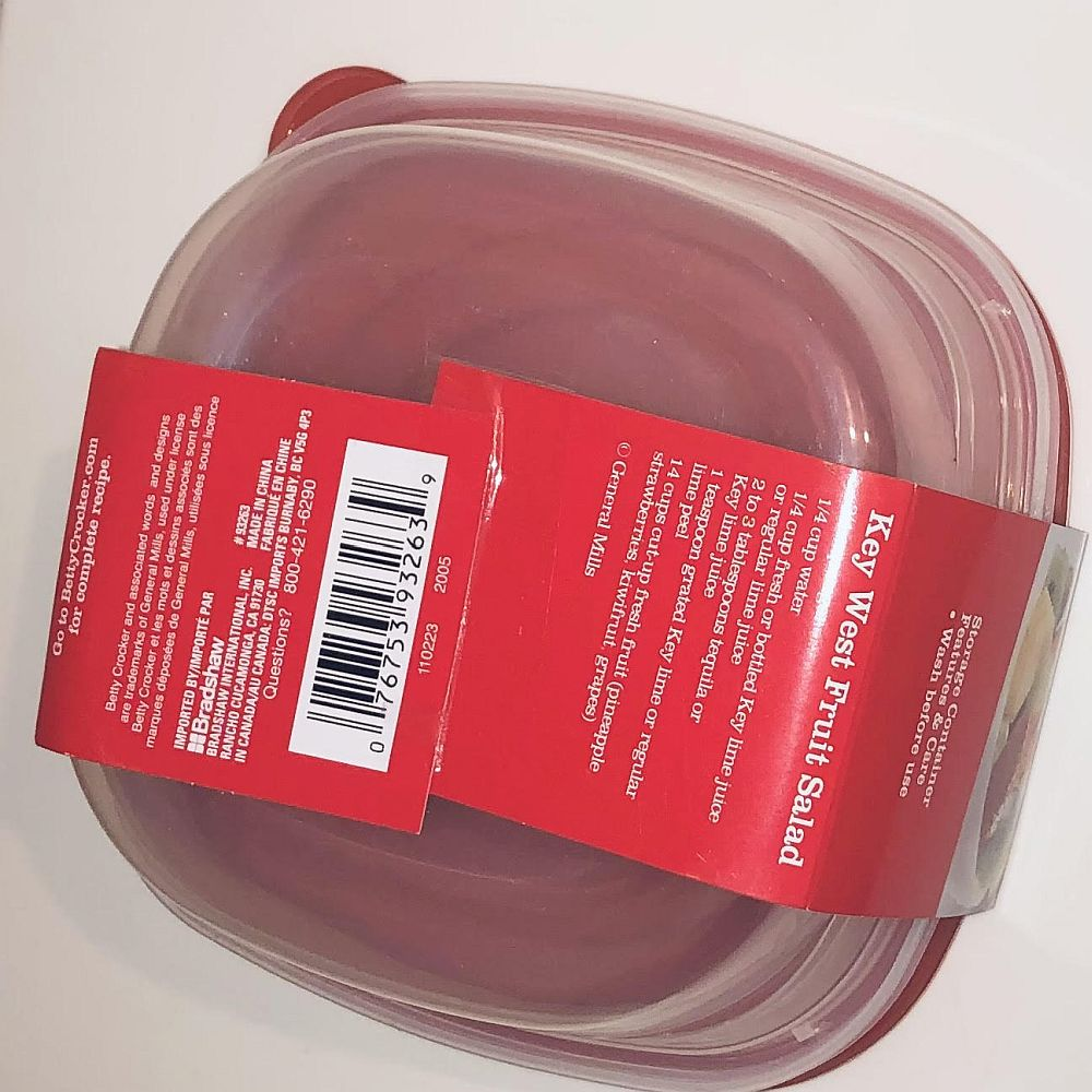 Betty Crocker Easy Seal Storage Containers,